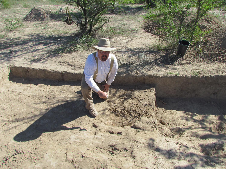 Picture 2 Stewart excavation Kazakhstan.JPG